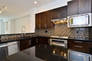Photo 3: 65 3009 156 STREET in Surrey: Grandview Surrey Townhouse for sale (South Surrey White Rock)  : MLS®# R2103635