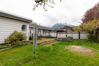 Photo 12: 1799 CHIEFVIEW Road in Squamish: Brackendale 1/2 Duplex for sale : MLS®# R2573227