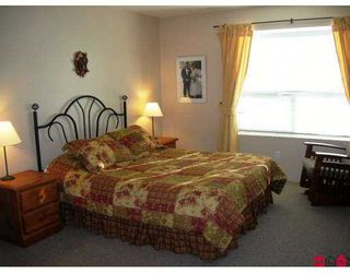 """Photo 6: 18540 64A Avenue in Surrey: Cloverdale BC House for sale in """"Clover Valley Station"""" (Cloverdale)  : MLS®# F2624892"""