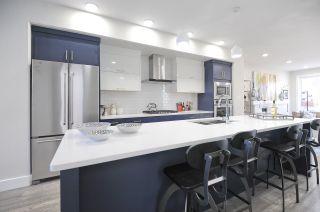 Photo 3:  in Edmonton: House for sale : MLS®# E4165901