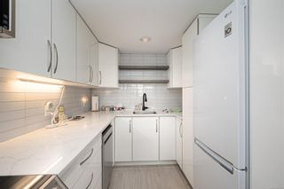 Photo 3: 207 9805 Second St in : Si Sidney North-East Condo for sale (Sidney)  : MLS®# 877301