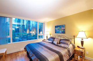 "Photo 13: 404 499 BROUGHTON Street in Vancouver: Coal Harbour Condo for sale in ""The Denia Waterfront Place"" (Vancouver West)  : MLS®# R2260501"