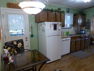 """Photo 3: 31 2305 200 Street in Langley: Brookswood Langley Manufactured Home for sale in """"Cedar Lane"""" : MLS®# R2223523"""