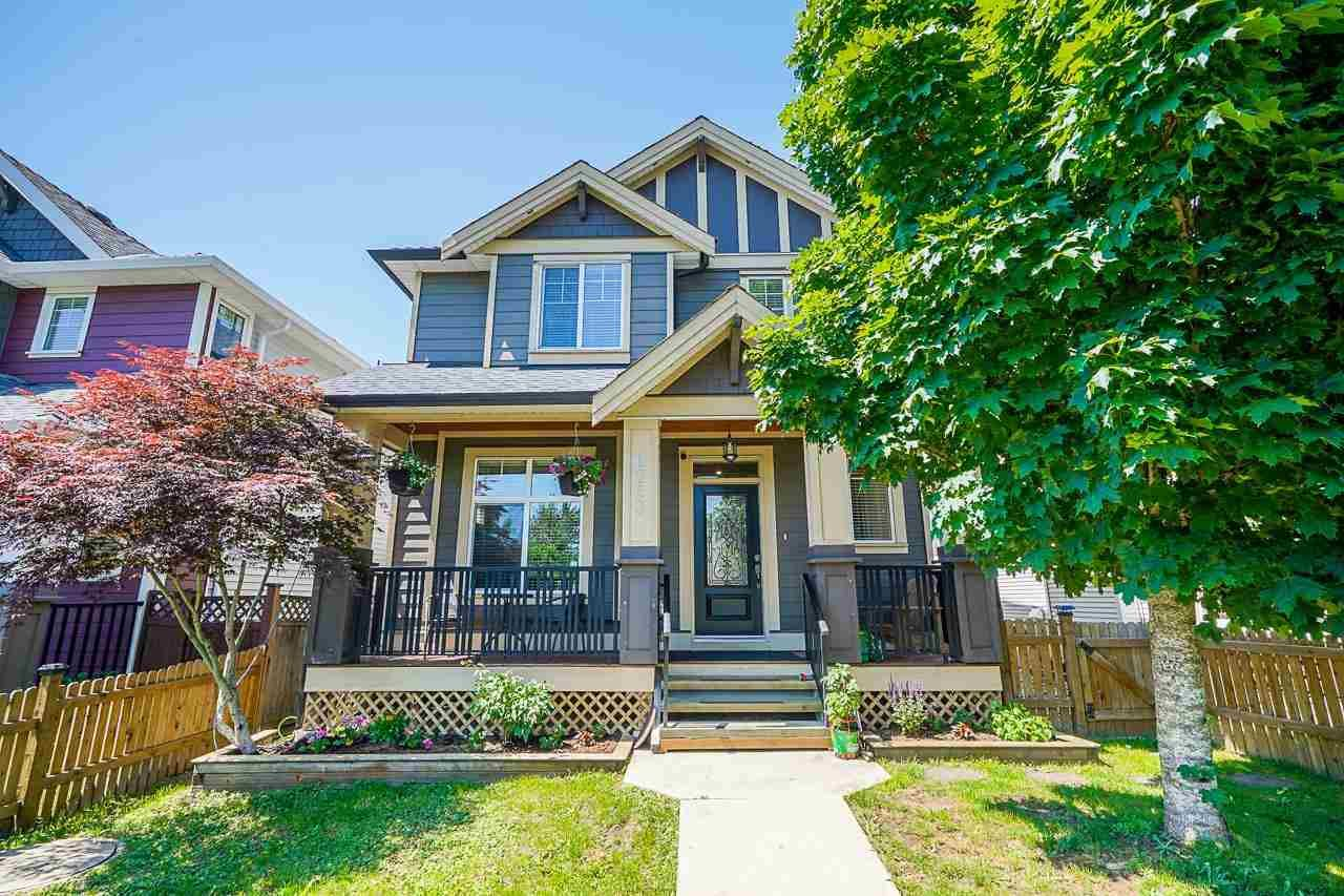 Main Photo: 6763 192 Street in Surrey: Clayton House for sale (Cloverdale)  : MLS®# R2589585