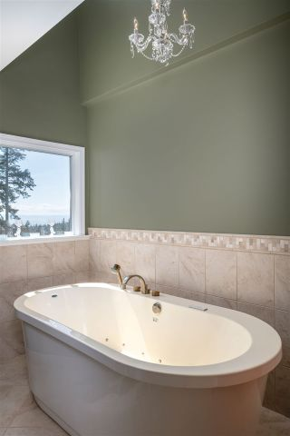 Photo 21: 5064 PINETREE Crescent in West Vancouver: Upper Caulfeild House for sale : MLS®# R2564992