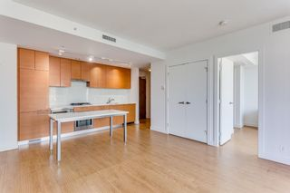 Photo 6: 547 222 Riverfront Avenue SW in Calgary: Chinatown Apartment for sale : MLS®# A1136653