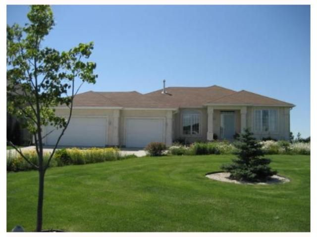 Main Photo: 32 OAKMONT Crescent in HEADINGLEY: Headingley South Residential for sale (South Winnipeg)  : MLS®# 2711837