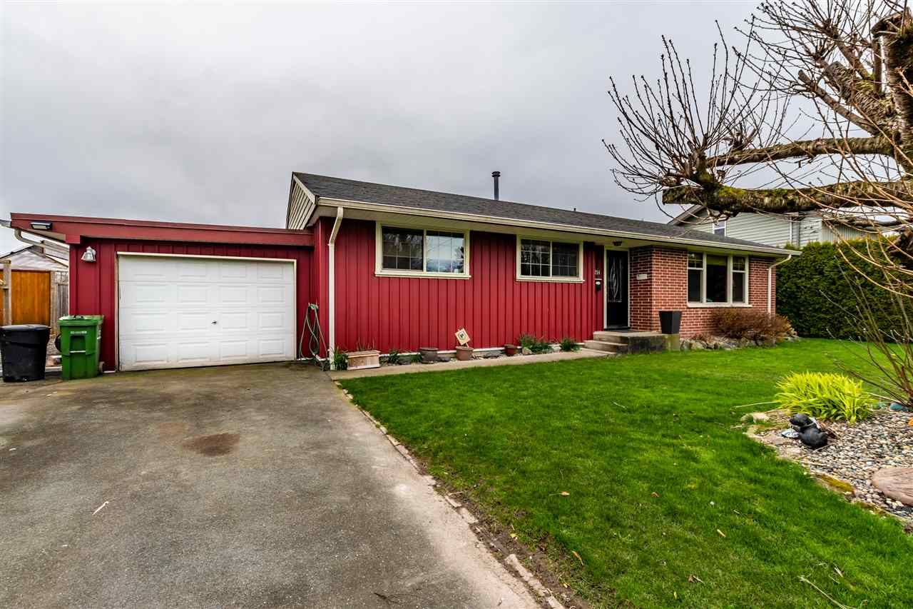 Main Photo: 46254 MCCAFFREY Boulevard in Chilliwack: Chilliwack E Young-Yale House for sale : MLS®# R2444609