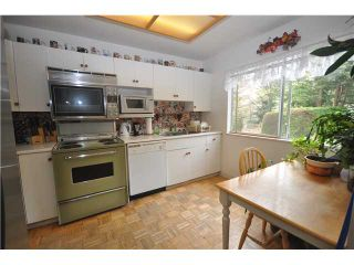 Photo 2: 4717 Hoskins Road in North Vancouver: Lynn Valley Townhouse for sale : MLS®# V888765