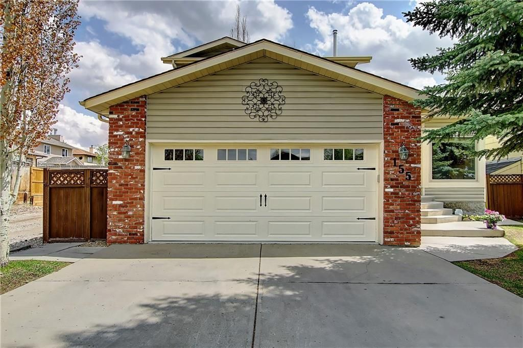 Main Photo: 155 SUN HARBOUR Close SE in Calgary: Sundance Detached for sale : MLS®# C4247547