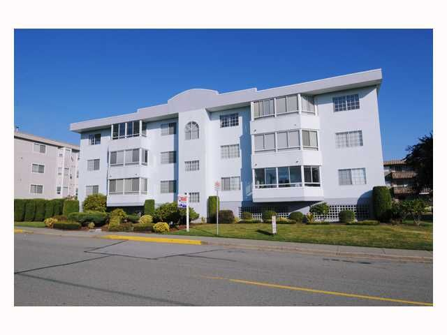 "Main Photo: 304 22241 SELKIRK Avenue in Maple Ridge: West Central Condo for sale in ""SELKIRK PLACE"" : MLS®# V791123"
