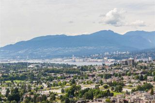 """Photo 15: 4301 4485 SKYLINE Drive in Burnaby: Brentwood Park Condo for sale in """"SOLO DISTRICT"""" (Burnaby North)  : MLS®# R2390443"""
