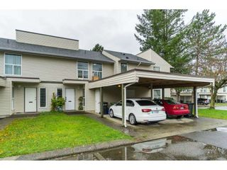 """Photo 2: 25 3030 TRETHEWEY Street in Abbotsford: Abbotsford West Townhouse for sale in """"Clearbrook Village"""" : MLS®# R2519783"""