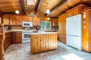 Photo 5: 353 Wireless Rd in Comox: CV Comox Peninsula House for sale (Comox Valley)  : MLS®# 881737