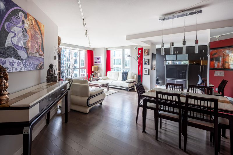 FEATURED LISTING: 601 - 388 DRAKE Street Vancouver