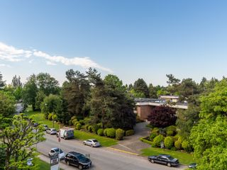 """Photo 11: 401 5926 TISDALL Street in Vancouver: Oakridge VW Condo for sale in """"OAKMONT PLAZA"""" (Vancouver West)  : MLS®# R2374156"""