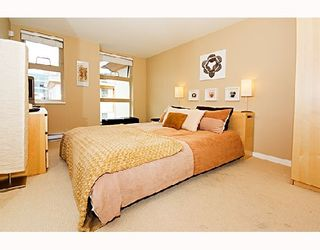 """Photo 4: 29 638 W 6TH Avenue in Vancouver: Fairview VW Townhouse for sale in """"STELLA DEL FIORDO"""" (Vancouver West)  : MLS®# V663726"""