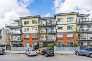 "Photo 1: 203 22363 SELKIRK Avenue in Maple Ridge: West Central Condo for sale in ""CENTRO"" : MLS®# R2354441"