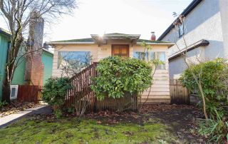 Photo 2: 4018 W 32ND Avenue in Vancouver: Dunbar House for sale (Vancouver West)  : MLS®# R2135092