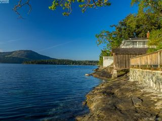 Photo 1: 10890 Madrona Dr in North Saanich: NS Deep Cove House for sale : MLS®# 350210