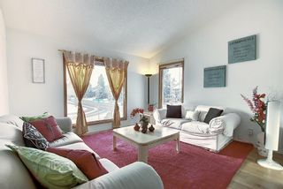 Photo 10: 152 Woodmark Crescent SW in Calgary: Woodbine Detached for sale : MLS®# A1054645