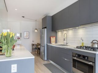"""Photo 22: 312 1647 E PENDER Street in Vancouver: Hastings Townhouse for sale in """"The Oxley"""" (Vancouver East)  : MLS®# R2555021"""