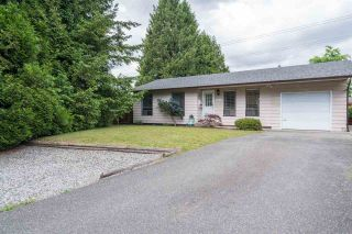 Photo 2: 20009 46A AVENUE in Langley: Langley City House for sale : MLS®# R2177503