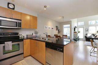"Photo 11: 420 1633 MACKAY Avenue in North Vancouver: Pemberton Heights Condo for sale in ""TOUCHSTONE"" : MLS®# R2183726"