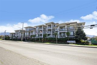 """Photo 1: 122 46262 FIRST Avenue in Chilliwack: Chilliwack E Young-Yale Condo for sale in """"The Summit"""" : MLS®# R2572117"""