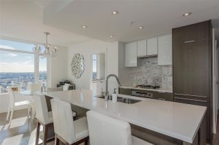 """Photo 2: 1707 110 SWITCHMEN Street in Vancouver: Mount Pleasant VE Condo for sale in """"LIDO"""" (Vancouver East)  : MLS®# R2378768"""