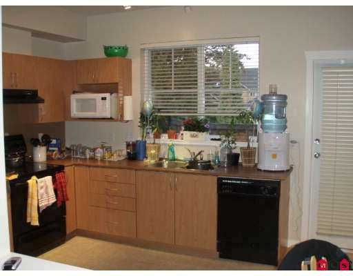 "Photo 3: Photos: 52 5839 PANORAMA Drive in Surrey: Sullivan Station Townhouse for sale in ""Forest Gate"" : MLS®# F2710483"