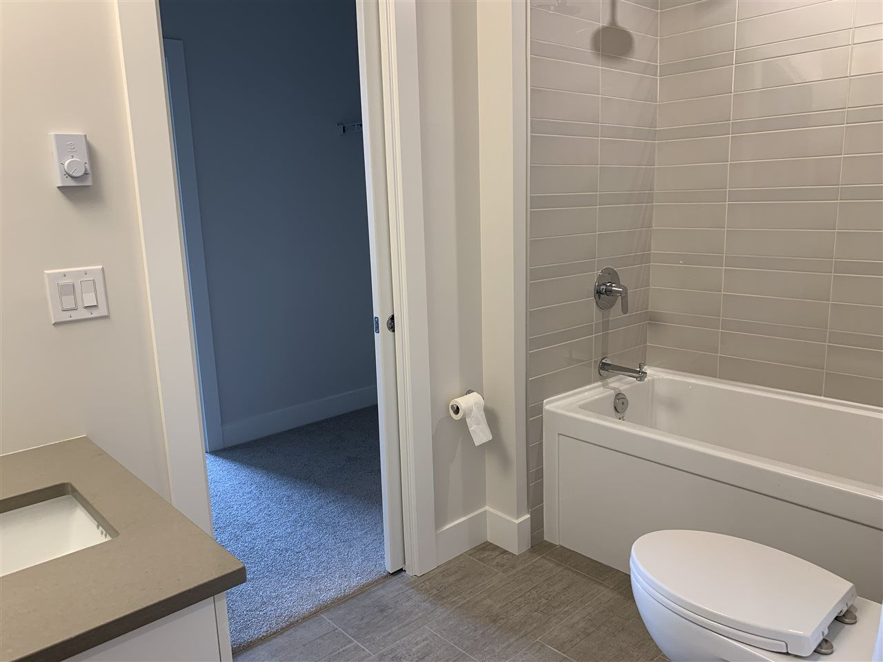 """Photo 8: Photos: 206 2555 WARE Street in Abbotsford: Central Abbotsford Condo for sale in """"MILL DISTRICT"""" : MLS®# R2502197"""