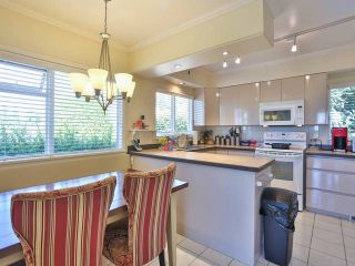 """Photo 17: 2095 MATHERS Avenue in West Vancouver: Ambleside House for sale in """"AMBLESIDE"""" : MLS®# V1078754"""