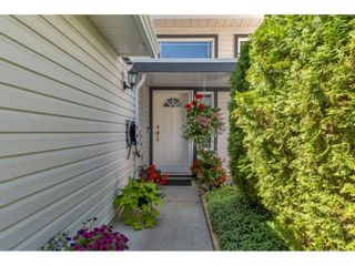 Photo 2: 8 11355 COTTONWOOD Drive in Maple Ridge: Cottonwood MR Townhouse for sale : MLS®# R2605916