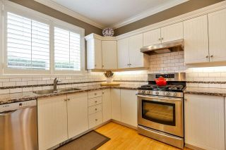 """Photo 8: 7 6177 169 Street in Surrey: Cloverdale BC Townhouse for sale in """"NORTHVIEW WALK"""" (Cloverdale)  : MLS®# R2256305"""