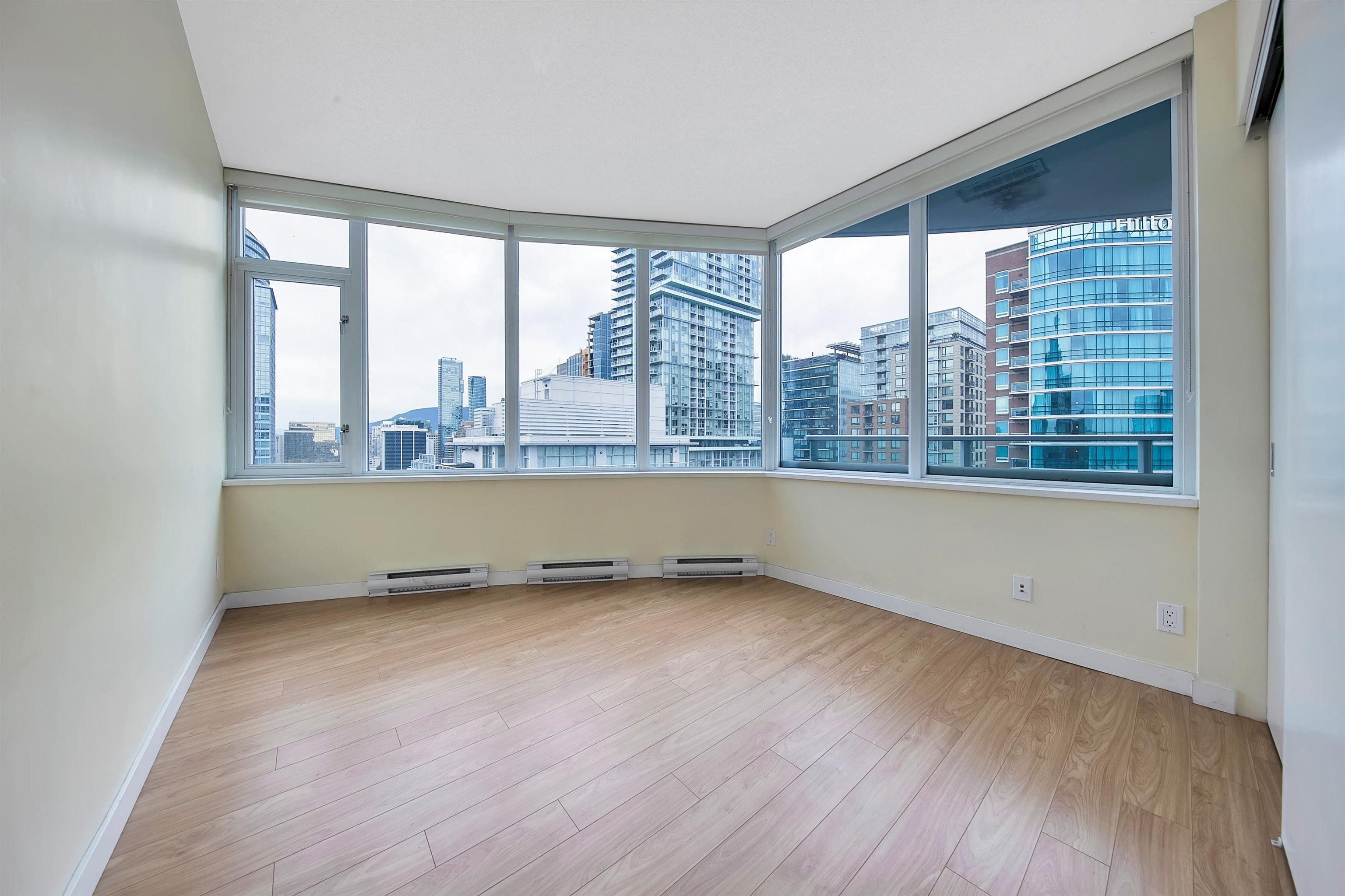 """Photo 18: Photos: 2302 833 HOMER Street in Vancouver: Downtown VW Condo for sale in """"Atelier"""" (Vancouver West)  : MLS®# R2615820"""