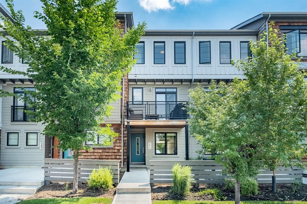 Main Photo: 393 WALDEN Drive SE in Calgary: Walden Row/Townhouse for sale : MLS®# A1126441