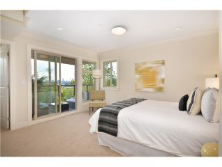 Photo 6: 638 W 15TH ST in North Vancouver: Hamilton 1/2 Duplex for sale : MLS®# V1017915