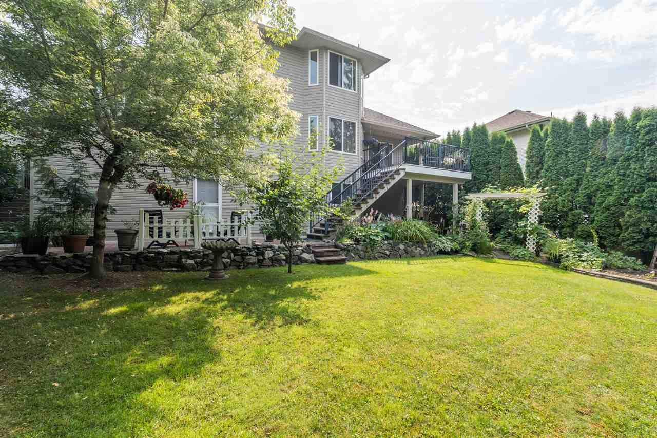 """Photo 36: Photos: 35715 LEDGEVIEW Drive in Abbotsford: Abbotsford East House for sale in """"Ledgeview Estates"""" : MLS®# R2481502"""