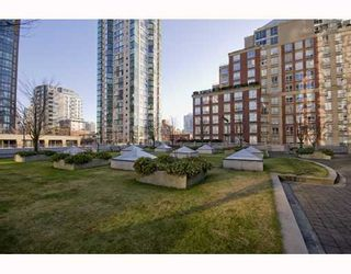 """Photo 9: 1807 1238 RICHARDS Street in Vancouver: Downtown VW Condo for sale in """"METROPOLIS"""" (Vancouver West)  : MLS®# V799758"""