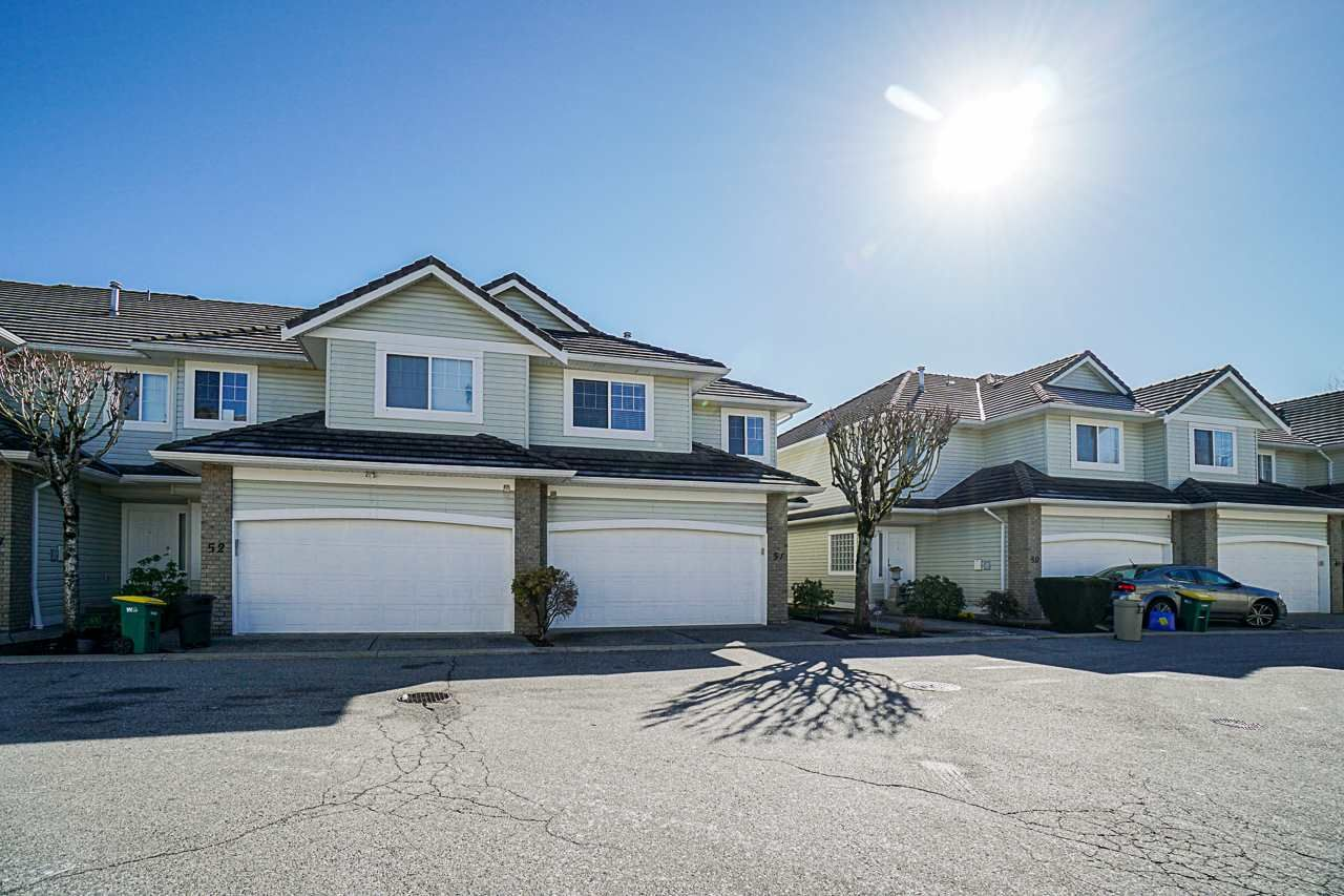 """Main Photo: 51 1290 AMAZON Drive in Port Coquitlam: Riverwood Townhouse for sale in """"CALLAWAY GREEN"""" : MLS®# R2551044"""