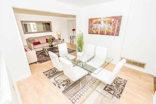 Photo 2: 353 Kingsbridge Garden Circle in Mississauga: Hurontario House (2-Storey) for sale : MLS®# W5056995