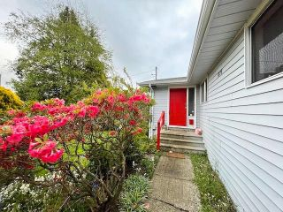 Photo 4: 1275 KENT Street: White Rock House for sale (South Surrey White Rock)  : MLS®# R2575494