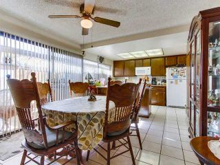 Photo 5: SOUTH ESCONDIDO House for sale : 3 bedrooms : 869 Montview Drive in Escondido