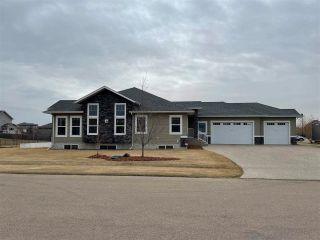 Photo 1: 2 GREENFIELD Bay: Fort Saskatchewan House for sale : MLS®# E4240951