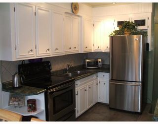 Photo 2: 435 MCADAM Avenue in WINNIPEG: West Kildonan / Garden City Single Family Detached for sale (North West Winnipeg)  : MLS®# 2717446