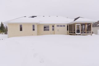 Photo 3: 55 Church Street in Tyndall: Single Family Detached for sale : MLS®# 1404723