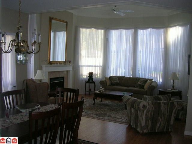 """Photo 2: Photos: 16 9025 216TH Street in Langley: Walnut Grove Townhouse for sale in """"COVENTRY WOODS"""" : MLS®# F1006312"""