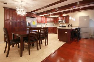 """Photo 1: 403 534 SIXTH Street in New Westminster: Uptown NW Condo for sale in """"BELMONT TOWERS"""" : MLS®# R2180424"""