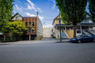 Photo 3: 2016 ONTARIO Street in Vancouver: Mount Pleasant VE House for sale (Vancouver East)  : MLS®# R2487097